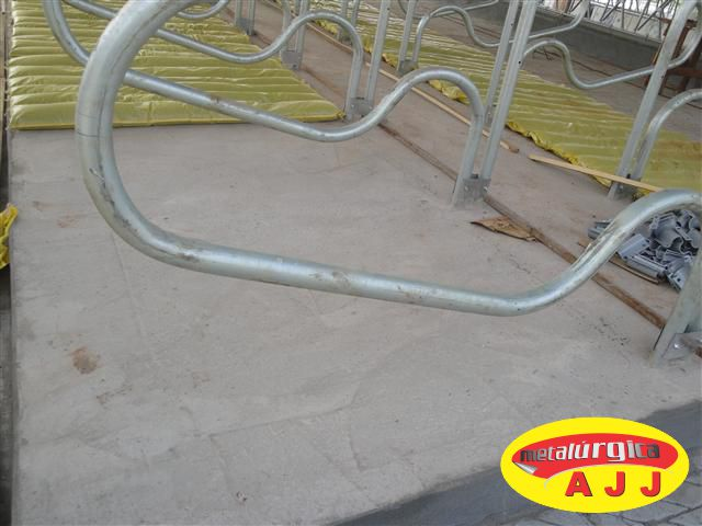 Você está imagens de: Separador de Cama Free-Stall Modelo R